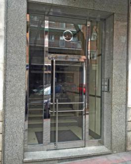 Portal Edificio Acero